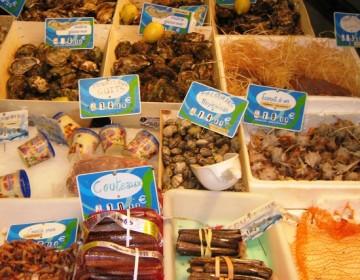 Frisk fisk fra et marked i Narbonne i Sydfrankrig