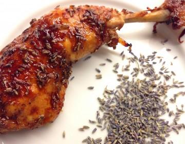 Lækker 'sticky' lavendel/citron kylling.