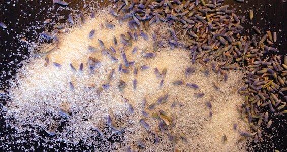 Lavendelsukker kan bruges til at give ordinære opskrifter nyt liv.
